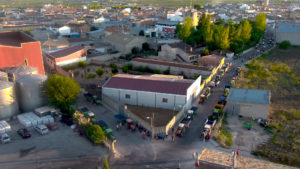 Cola de tractores en la Cooperativa San Antonio Abad